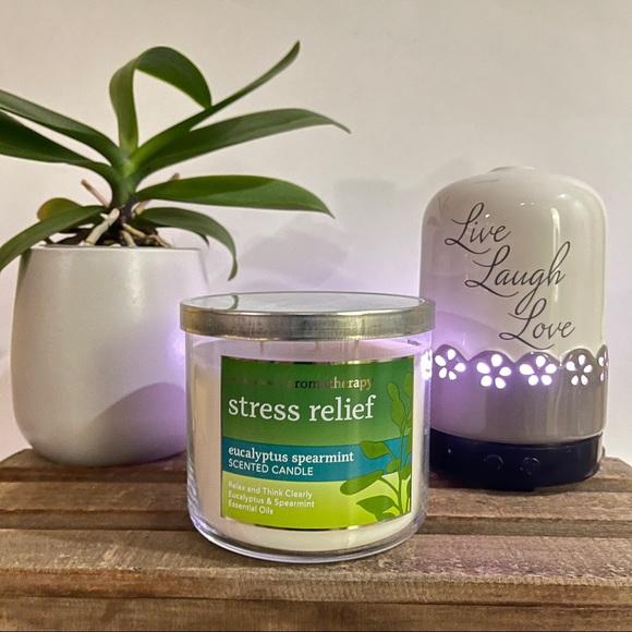 BATH and BODY WORKS Stress Relief 3-wick c…